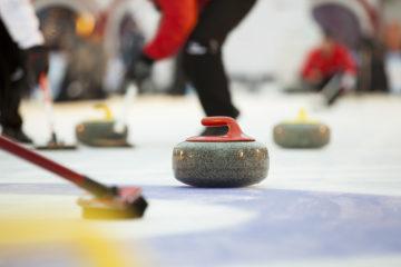 Si t'as pas d'ami, joue au curling!