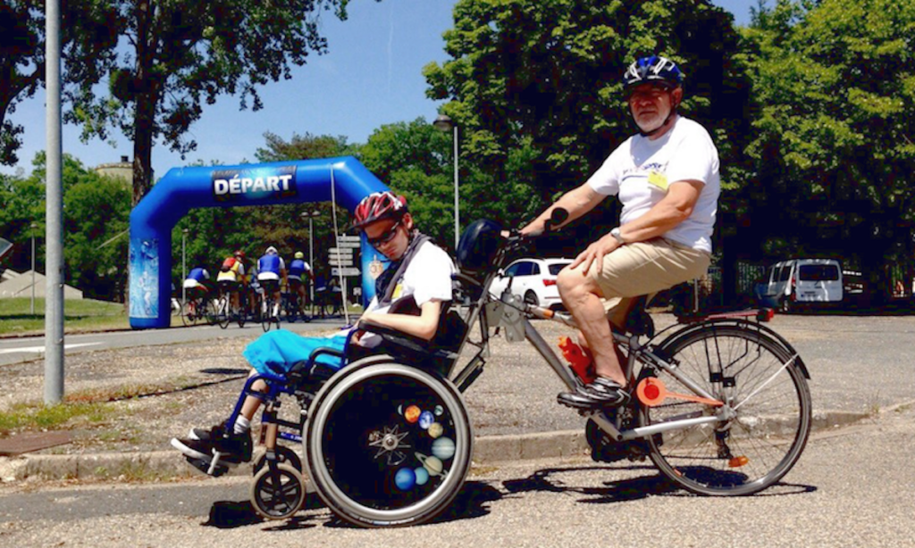 vélo-fauteuil-roulant-emotion-akiani